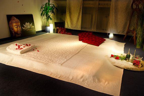 facebook nuru massage ruk af